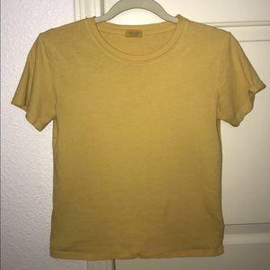 Yellow Brandy Mellvile T-shirt!!! 💛💛💛